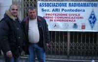 IU5ATC Giuseppe e IZ5IOO Stefano - Festa del Volontariato - Pontedera 05.01.14.JPG